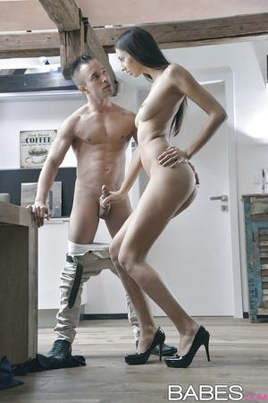 Very Hot European Tall Beauty Fuck Very Hard HD.