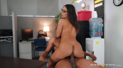 Super Hot Latina Milf Fuck A Big Black Cock 2020 HD.