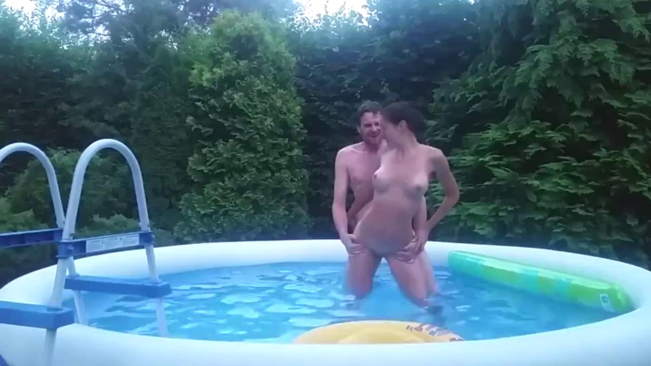 The Best Amateur Outdoor Sex Ever You Seen.